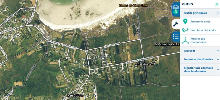Visualisation de la donnée routes près de la plage de Porzh Karn (29).