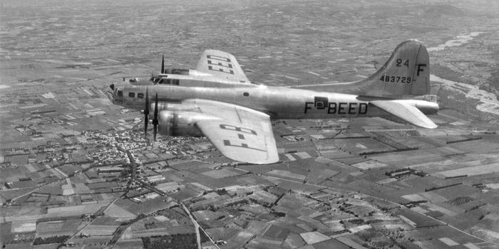 Un avion B17 américain de l'IGN en 1947